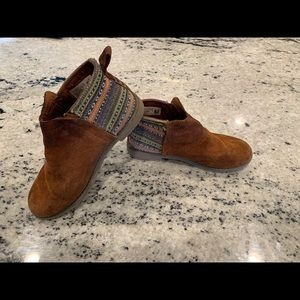 Toms Shoes - Toms size 1.5 Boots
